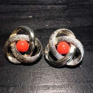 Sarah Coventry trinity clip on earrings